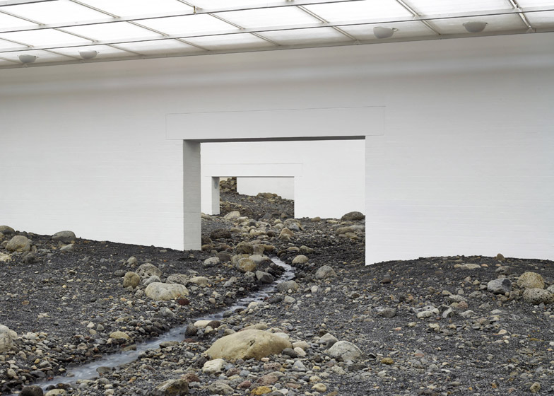 Riverbed-by-Olafur-Eliasson_dezeen_784_2